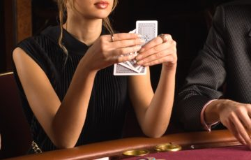 Fashion your passion for Italian poker